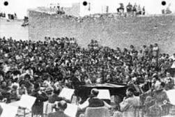 bernstein with israeli philharmonic before soldiers in ber sheva 1948
